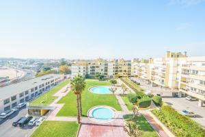 OceanFront & Big Terrace Private Condo Oeiras