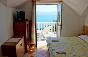 Apartment in Brist with Seaview, Terrace, Air condition, WIFI (3772-9)
