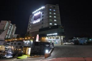 Tongyeong Tourist Hotel, Szállodák  Thongjong - big - 25