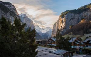 Hostel Schutzenbach Backpackers for 18-35's - Accommodation - Lauterbrunnen