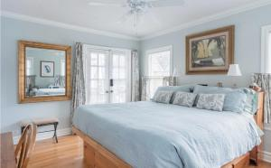 obrázek - Whimsical Charm at Historic M-Streets Suite