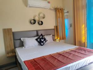 Om Shanthi paying guest house