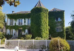 Location gîte, chambres d'hotes Chambres d'hôtes Les Magnolias dans le département Essonne 91