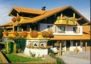 Gästehaus Kerpf - Hotel - Nesselwang