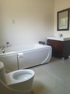 Nako Guest House, Vendégházak  Ramotswa - big - 14