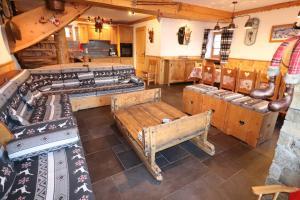 CHALET de charme 13 personnes avec Sauna SKI O PIEDS - Hotel - Saint Martin de Belleville