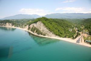 Отели Черного моря Абхазии эконом класса с удобствами в номере