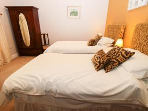 DH9 Bed and Breakfast, Cheap Hotel and Guest House Accommodation