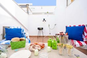 Holidays2Malaga Studios Juan de Mena, Apartmány  Málaga - big - 4
