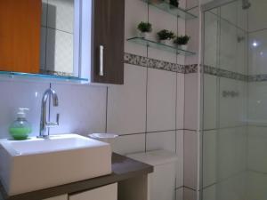 Apartamento com clube privativo, Apartmány  Cabo Frio - big - 38