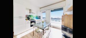 Appartamento via volta - AbcAlberghi.com