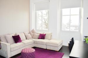 Traditional 2 Bedroom Home in Edinburgh - Seafield