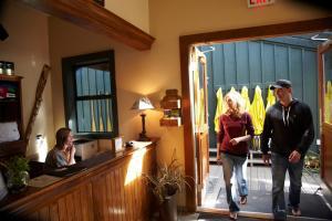 Middle Beach Lodge, Chaty v prírode  Tofino - big - 70