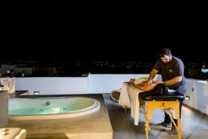 The Saint Vlassis, Hotels  Naxos Chora - big - 82