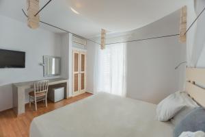 The Saint Vlassis, Hotels  Naxos Chora - big - 6
