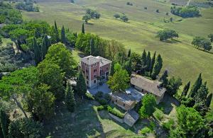 Strada Statale Flaminia Villa Sleeps 17 Pool WiFi - Villastrada