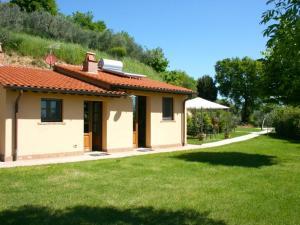 Cervognano Montenero Villa Sleeps 2 Pool Air Con - AbcAlberghi.com