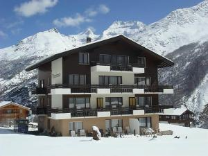 Saas-Fee Apartment Sleeps 9 WiFi - Hotel - Saas-Fee