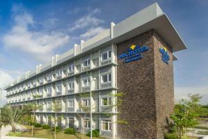 Microtel Inn & Suites by Wyndham San Fernando