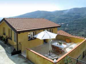 Bosco Soprano Apartment Sleeps 22 Pool WiFi - AbcAlberghi.com