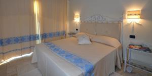 Doppel-/ Zweibettzimmer mit Terrasse und Meerblick