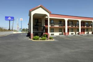 """Americas Best Value Inn & Suites Macon"""