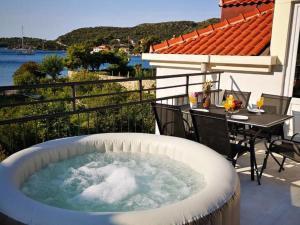 Luxurious Villa in Zaton with Jacuzzi