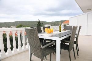 Apartment Zavalatica 4459c, 20273 Čara