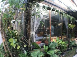 Laan Rab Lom Home & Cafe' - Ban Ongkharak