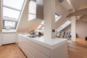 LUXURY CENTRAL DUPLEX WITH TERRACE