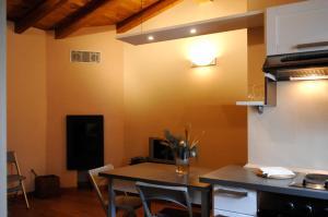 Borgo Pianello Holiday Homes and Winery - Hotel - Lizzano in Belvedere