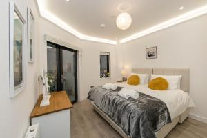 Harlow Edinburgh House Serviced Apartments by PLL