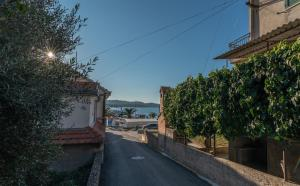 Apartment Radićperfect location for summer activities