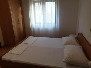 Triple Room Metajna 4120b