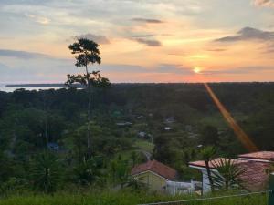 Los Cielos Del Caribe Cahuita