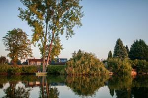 Ferienhaus Seepark Ternsche mit Bootsanleger - Hiddingsel