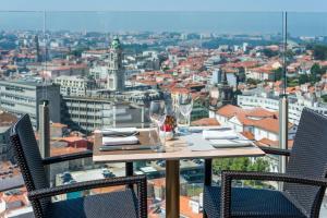 Hotel Dom Henrique - Downtown, Отели  Порту - big - 28