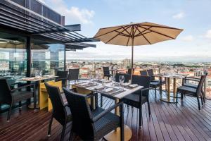 Hotel Dom Henrique - Downtown, Отели  Порту - big - 43