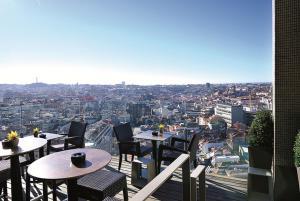 Hotel Dom Henrique - Downtown, Отели  Порту - big - 22