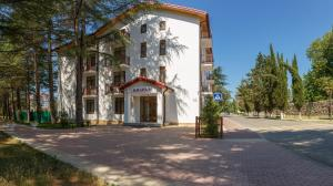Отель Киараз Старт, Пицунда