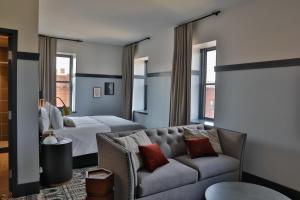 Stillwater Hotels