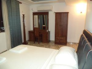 Friendship Hotel & Restaurant, Hotel  Horana - big - 5