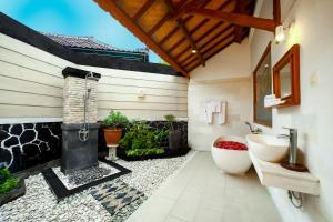 Bali Taman Beach Resort & Spa Lovina, Hotel  Lovina - big - 20
