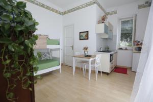 Pupi Catania Etna B&B, Bed & Breakfast  Aci Castello - big - 92