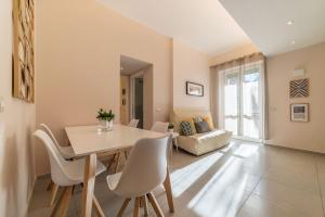 Gemelli Peaceful Apartment - Sant'Onofrio