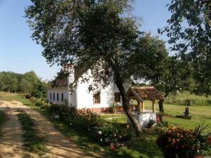 . Múltidéző Porta - Népi Műemlék Házak az Őrségben