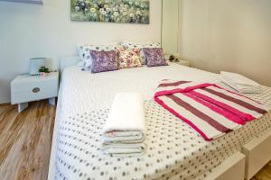 Apartments Ana II