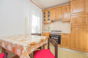 Apartamento 2 Apartments in Medulin/Istrien 36036