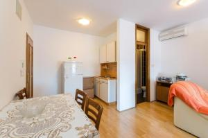 Apartment in Crikvenica 34774