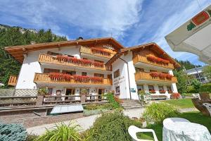 Hotel Malga Passerella - AbcAlberghi.com